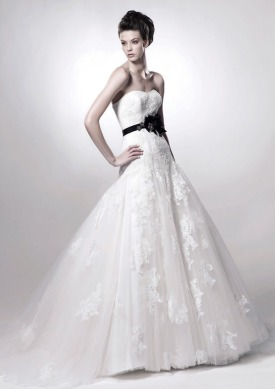 Picture of Fatima Wedding Dress - Enzoani 2011 Collection