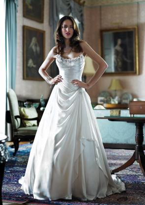 Picture of Anais Wedding Dress - Alan Hannah English Romantic 2011 Collection