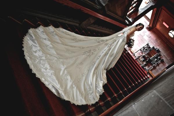 wedding dresses with trains that detach 65