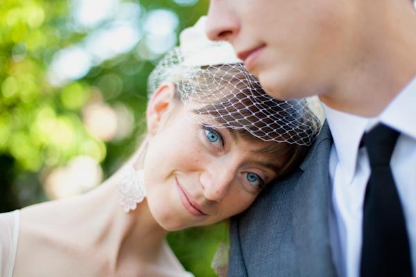 Bride resting her head on groom's shoulder - Picture by Rojo Foto Design
