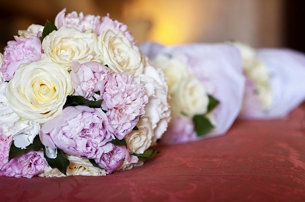Bridal bouquets - Picture by Gill Maheu Photography